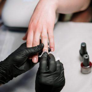 Reparación por uñas