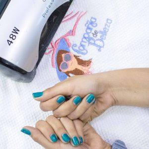 Aplicacion de Esmaltes Permanentes (Manicure)